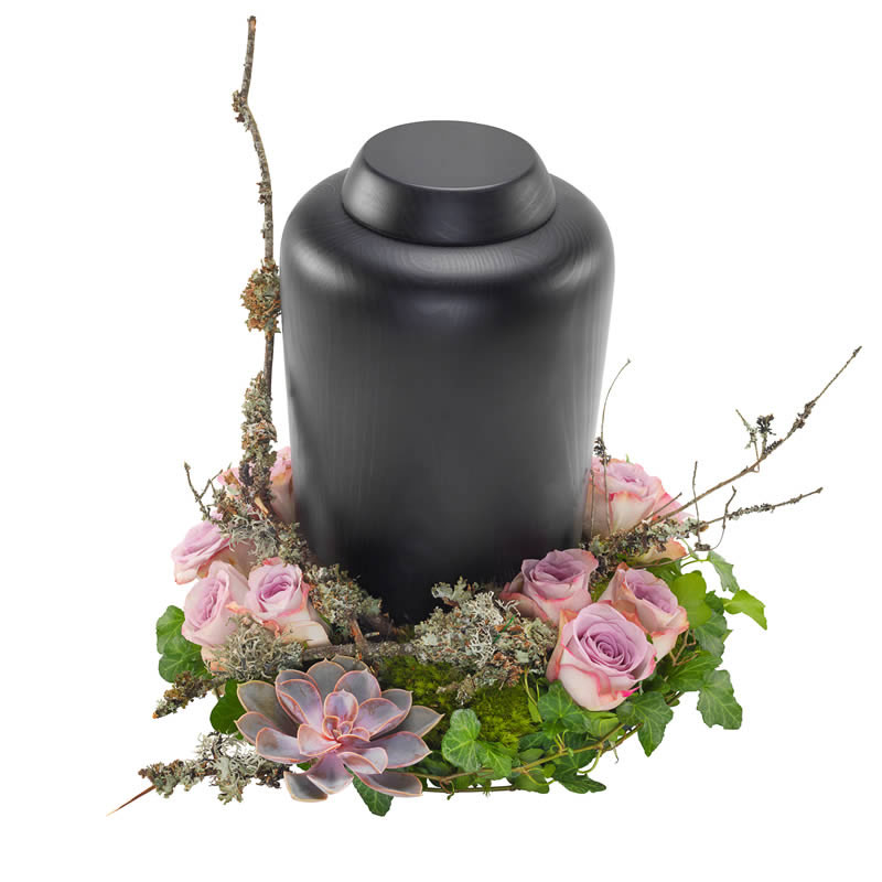 Urn arrangement in Purple