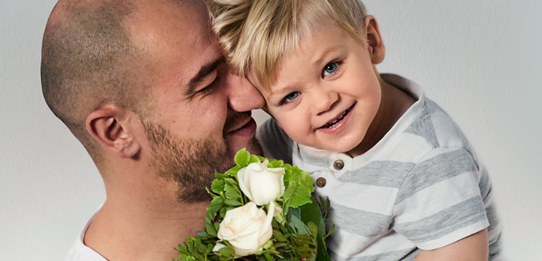 Celebrate Father's Day with fresh Flowers